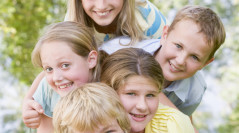 Activities that keep children entertained at a children's party